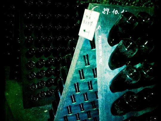 Domaine Huet - Portes ouvertes mai 2011 - pupitre de remuage vins petillants