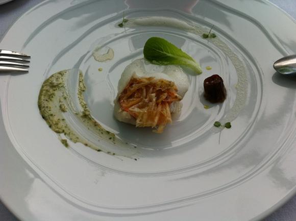 Martin Berasategui - Rouget roti - ecailles comestibles - jus de chocolat blanc